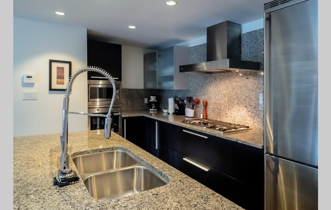 Falls 606 Kitchen