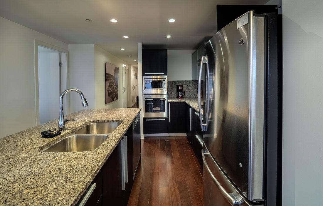 Falls 1402 kitchen.