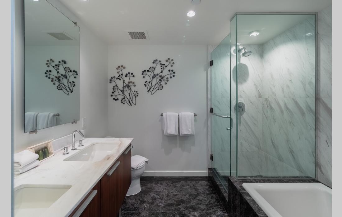 Falls 1402 master bathroom