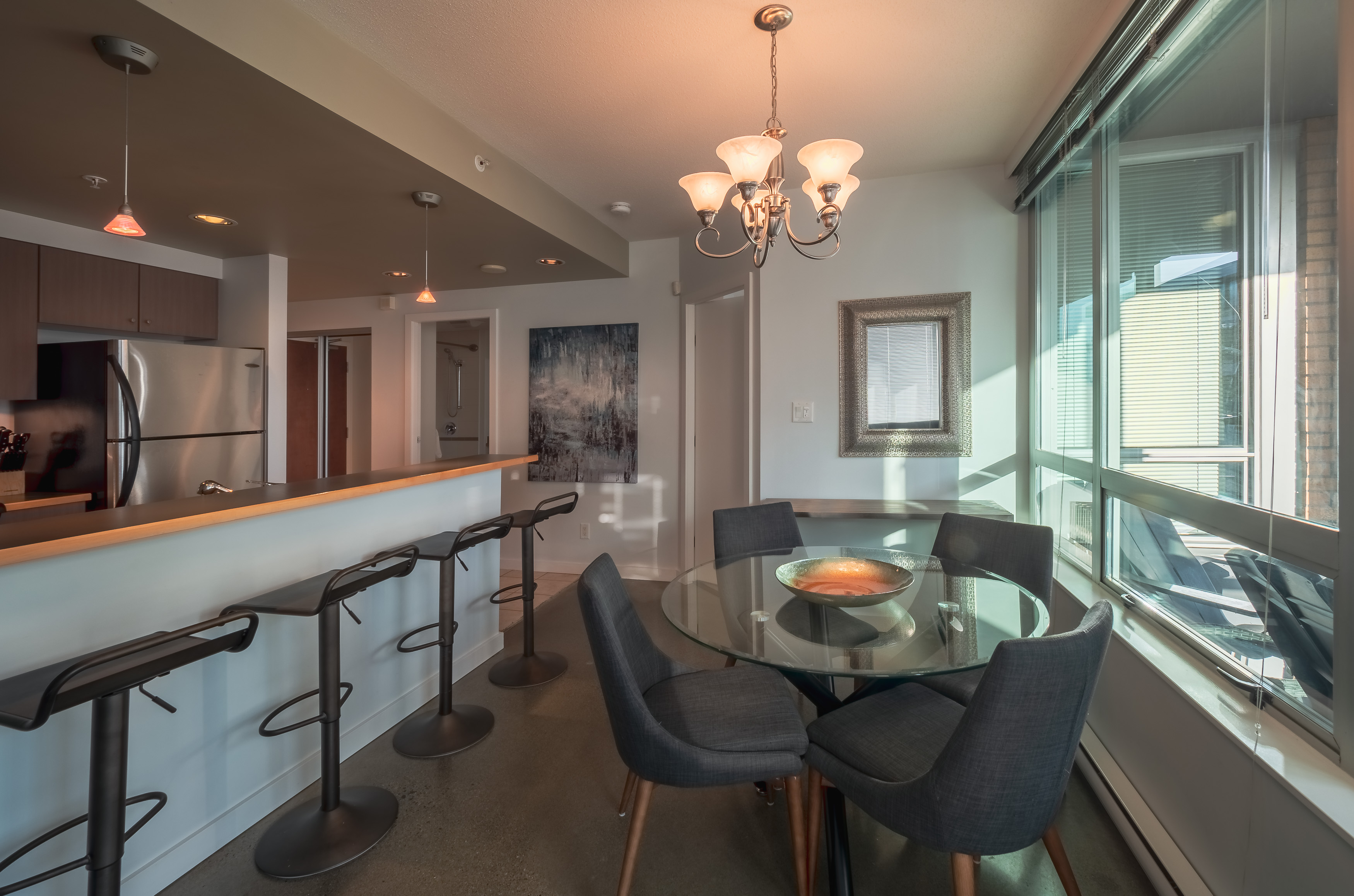 Corazon 507 Dining room from living room