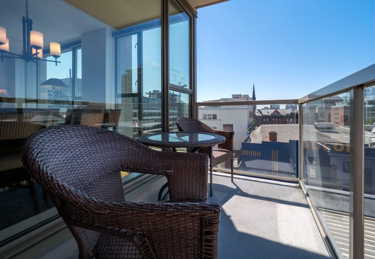 Patio with view of Victoria Juliet executive rental