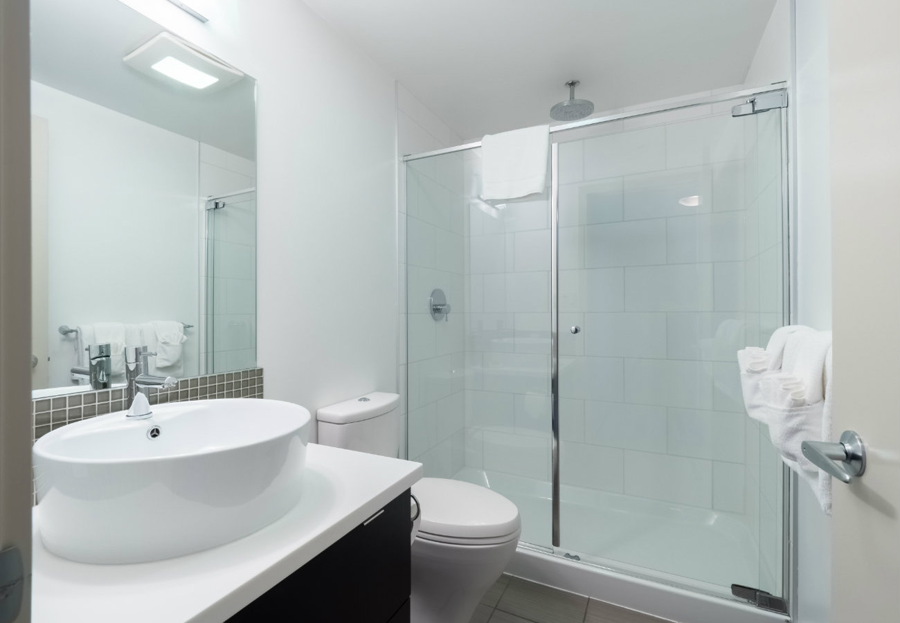 executive rental bathroom at the Juliet condo Victoria