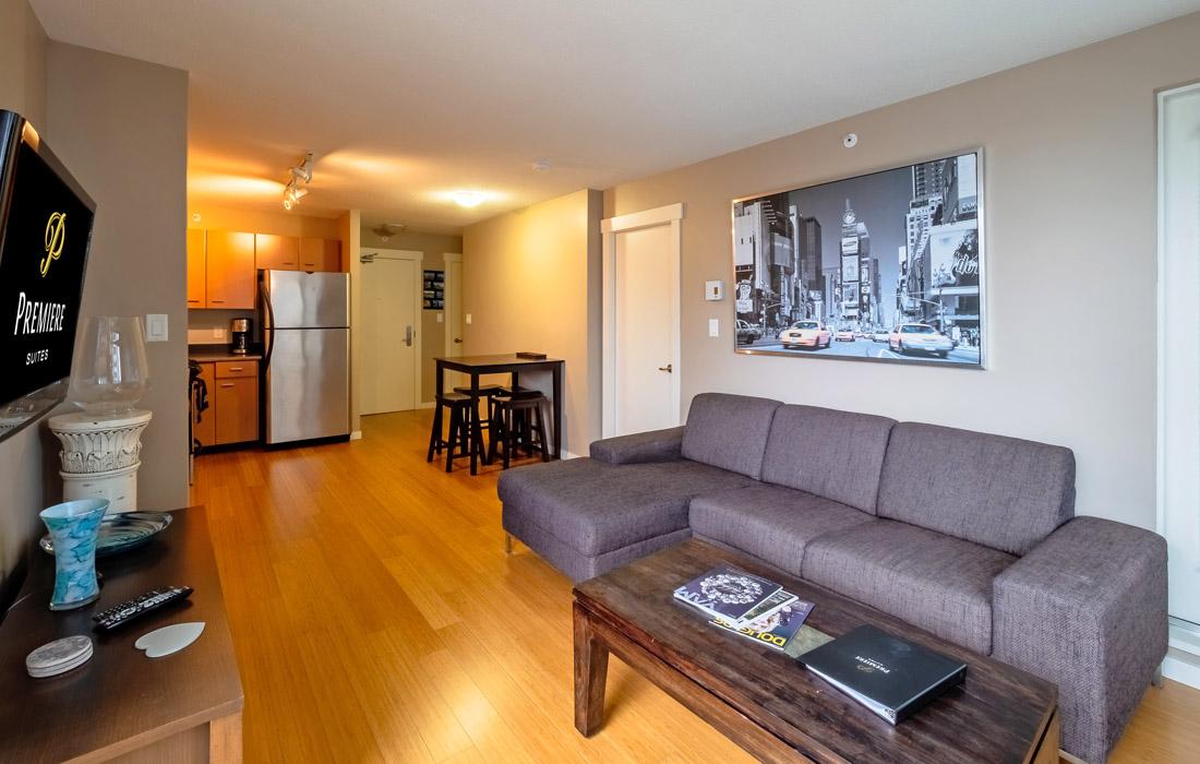 Astoria condo furnished suite Fairfield St