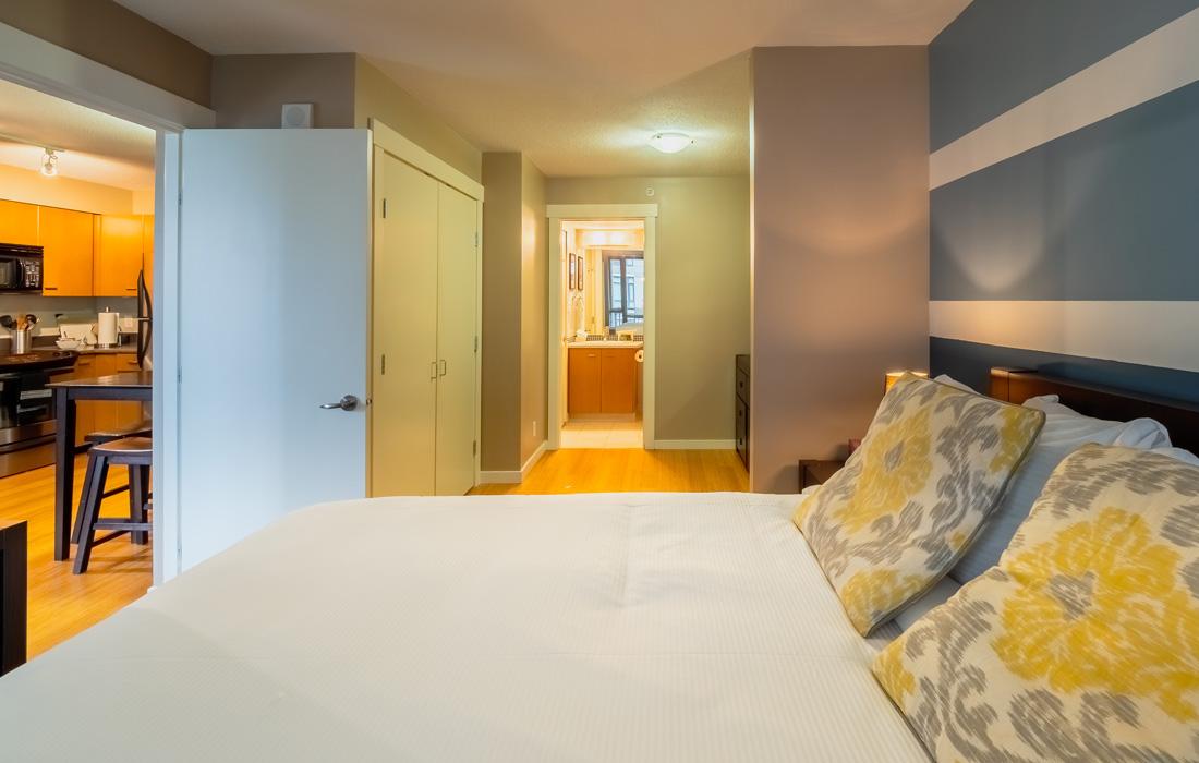 Astoria one bedroom condo downtown Victoria