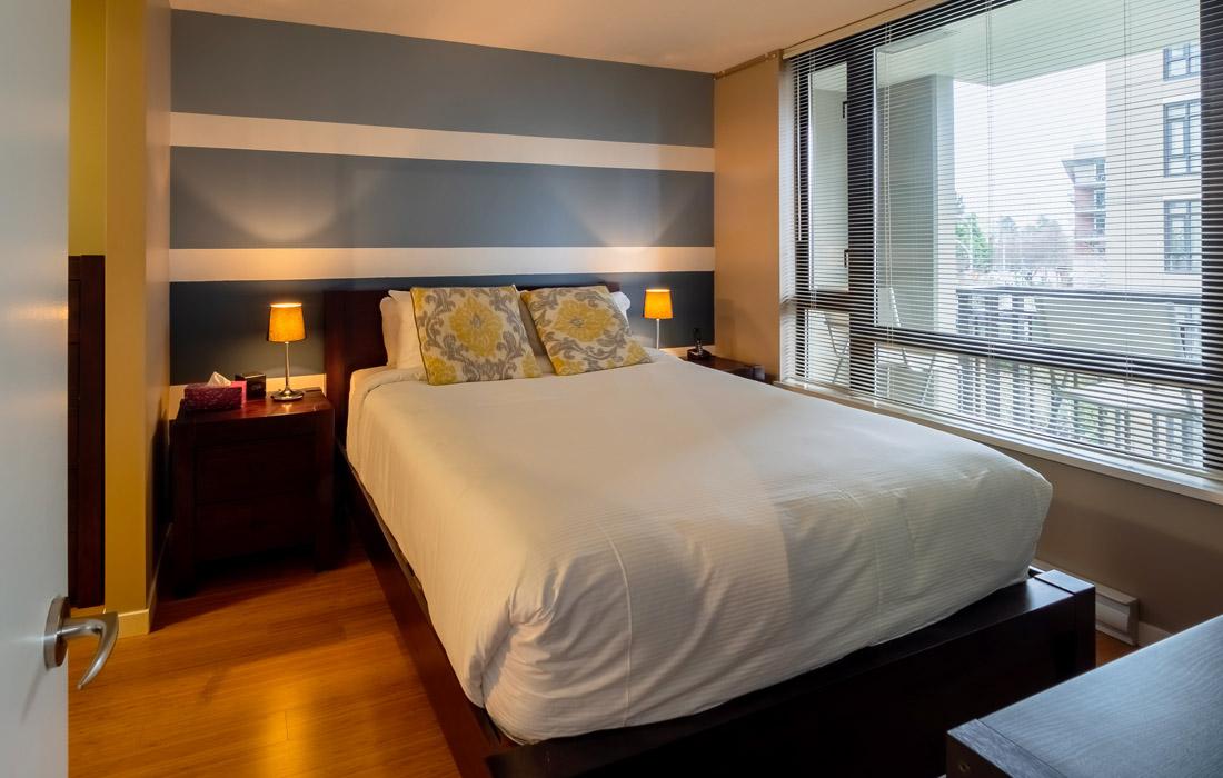 Astoria condo queen bedroom