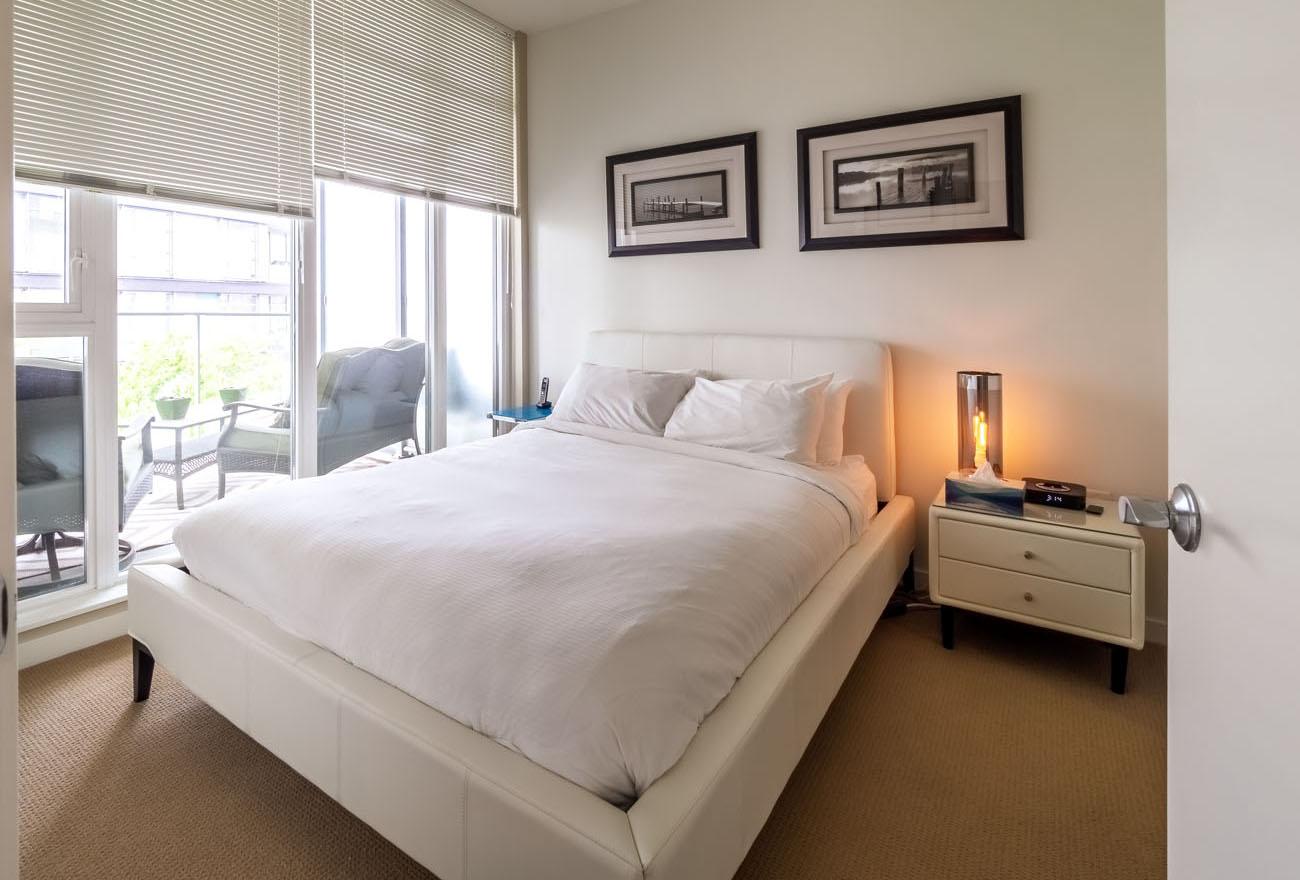 one bedroom suite queen bed