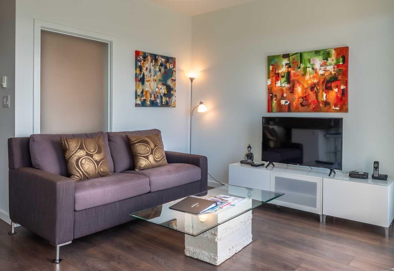 Union condo living room