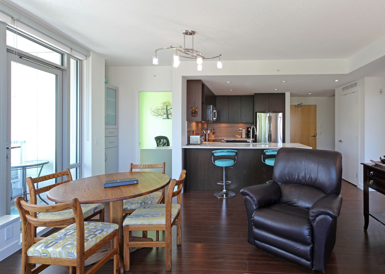 Comfortably furnished condo