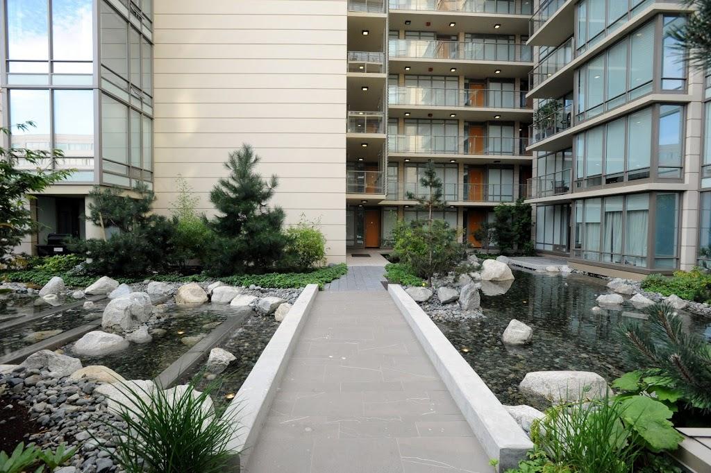 Falls luxury suite landscaped exterior