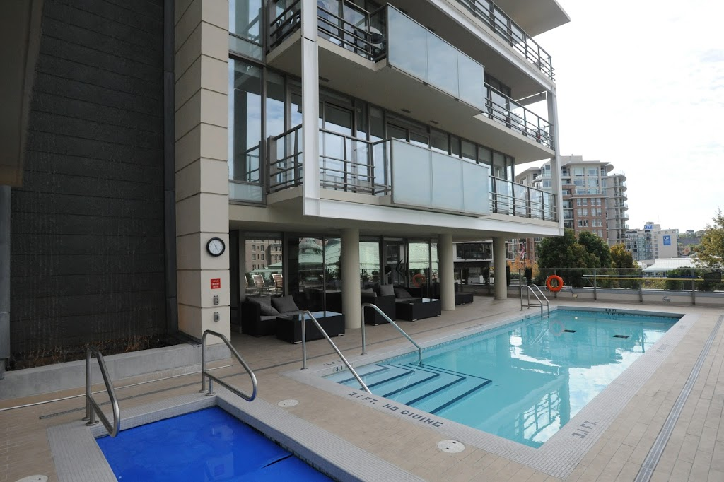 Falls luxury suite outdoor heated pool