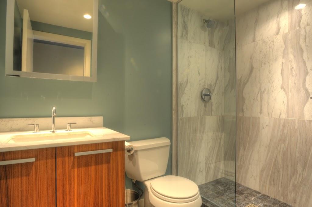 Falls luxury suite bathroom standup shower