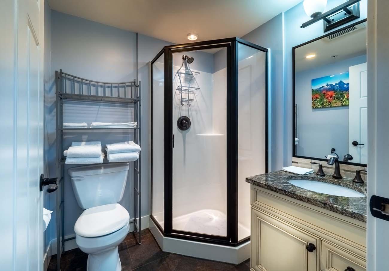 Ross Bay Landing bathroom