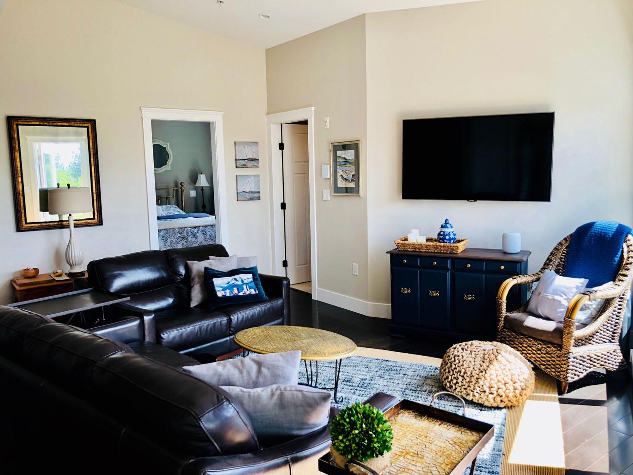 penthouse suite victoria living room