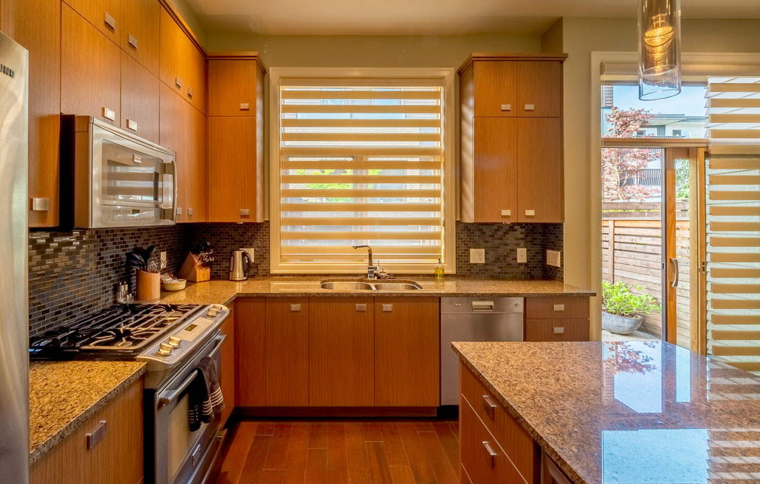 Executive townhouse kitchen with island