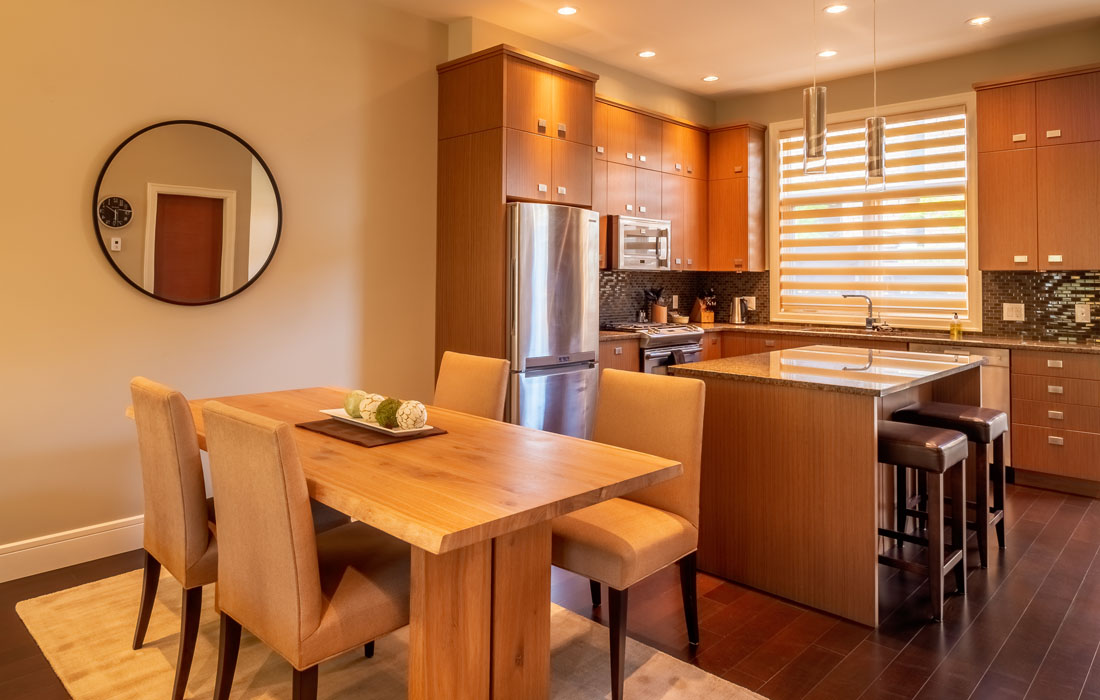 Executive townhouse dining and kitchen