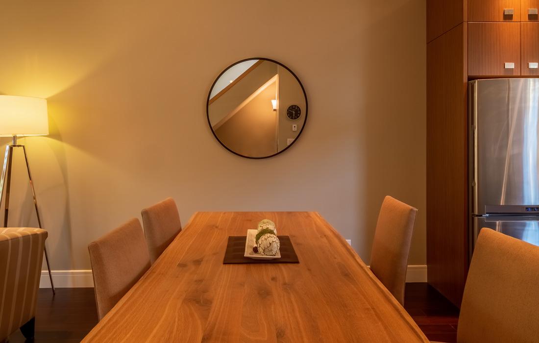 Modern dining set at Terra Verde townhouse Victoria