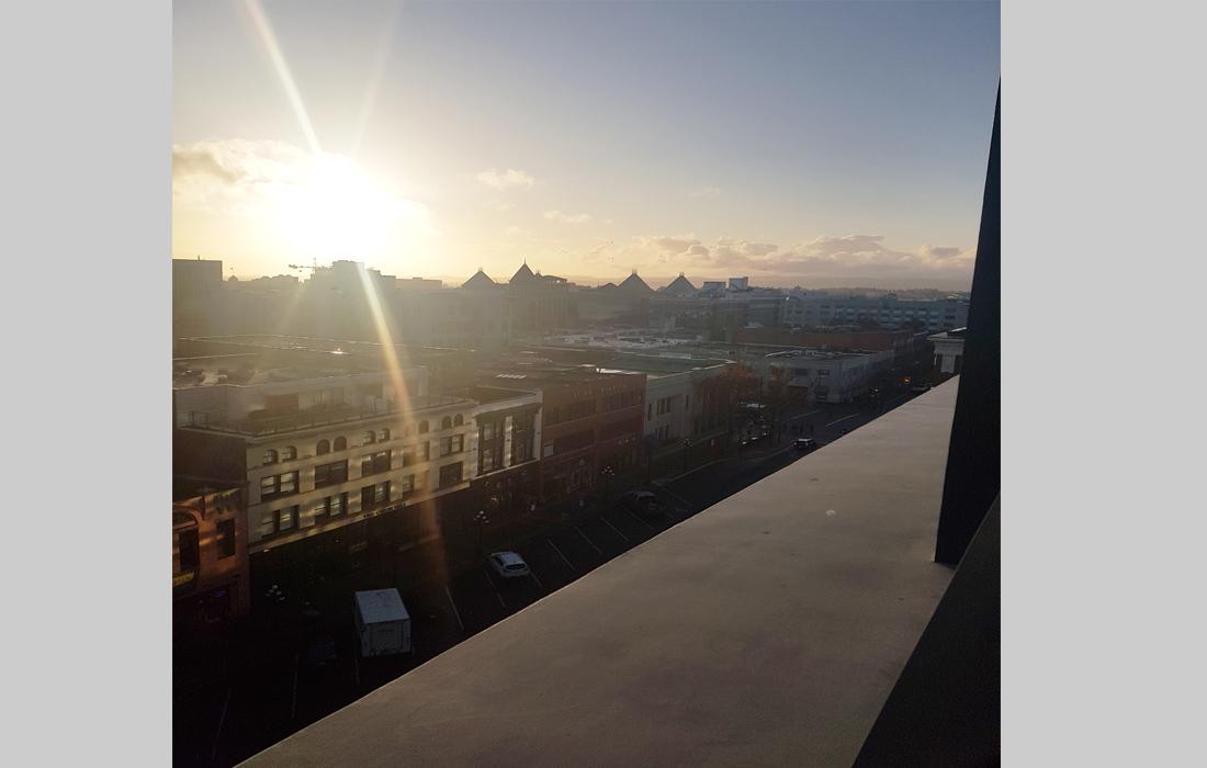 Vibrant Condo Era View Sunset