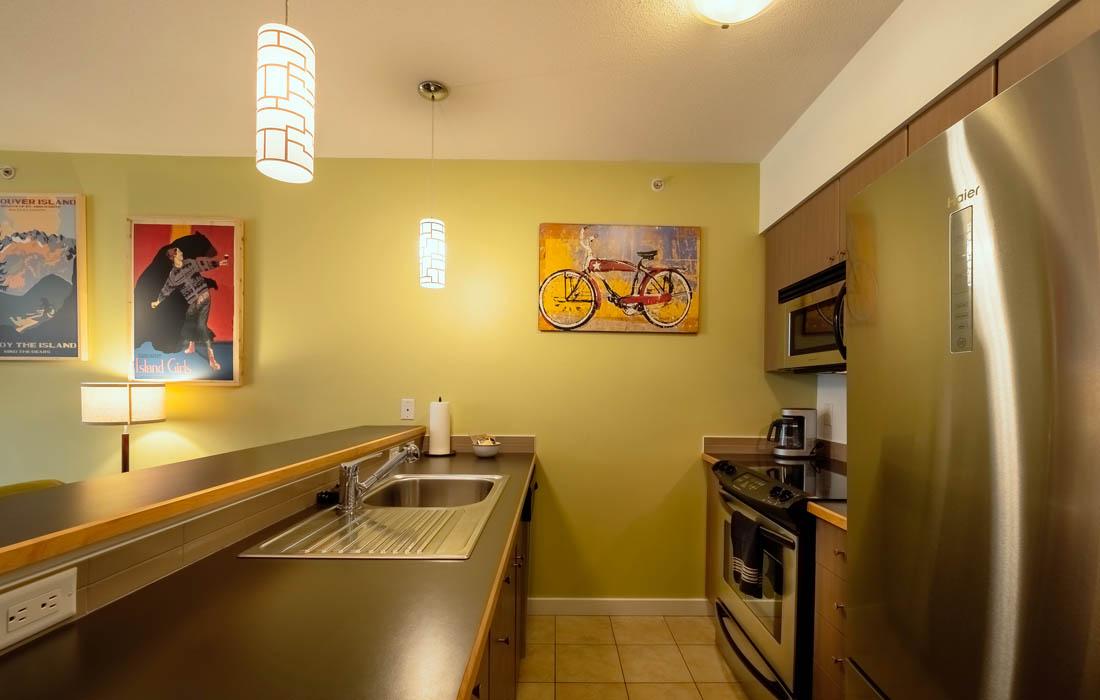 Corazon 205 Studio Kitchen
